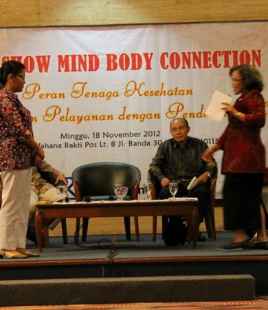 "Talkshow Nasional Kesehatan ""Mind Body Connection 2012"""