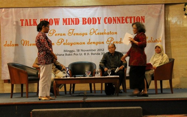 "Talkshow Nasional Kesehatan ""Mind Body Connection 2012"""