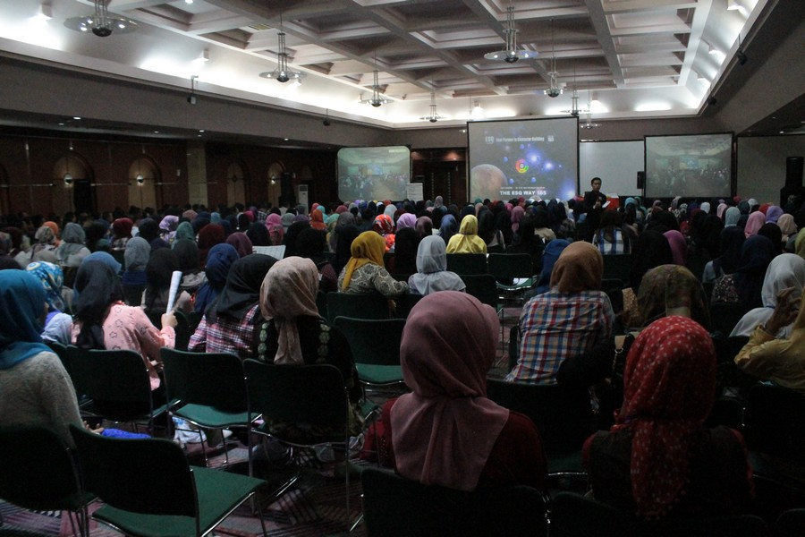 KEBERMAKNAAN  ANGKATAN KE 8 TRAINING  ESQ 165 MAHASISWA BARU STIKES DHARMA HUSADA 2015