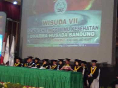 WISUDA VII STIKes DHARMA HUSADA
