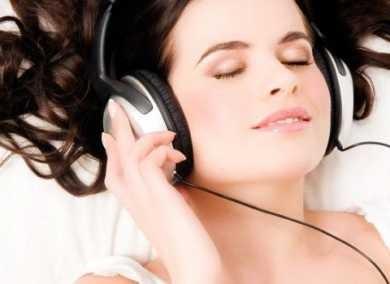Headset Penyebab Stroke?